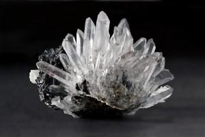 quartz-sphalerite-pyrite-mangano-calcite-rhodochrosite